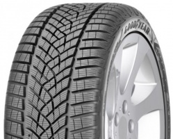 Goodyear Ultra Grip 8 Performance (RIM FRINGE PROTECTION)